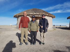 Asociacion Italiana de Turismo Responsabile y Agencia Planet de visita a Chipaya