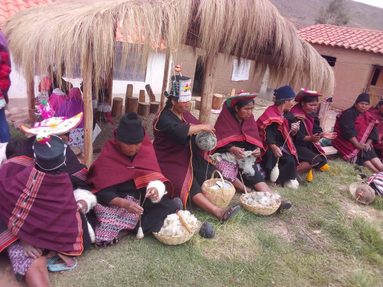Puka Puka: Turismo Integral Comunitario Familiar para preservar la cultura Yampara